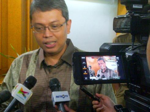 Bang Sani Triwisaksana saat Wawancara Media